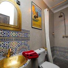 Отель Riad Dar Aby Марокко, Марракеш - отзывы, цены и фото номеров - забронировать отель Riad Dar Aby онлайн ванная фото 2