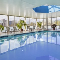 Отель Hilton Newark Airport США, Элизабет - отзывы, цены и фото номеров - забронировать отель Hilton Newark Airport онлайн бассейн фото 2