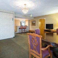 Отель Clarion Inn and Summit Center комната для гостей фото 3