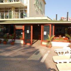 Отель Sunny Holiday Болгария, Солнечный берег - 1 отзыв об отеле, цены и фото номеров - забронировать отель Sunny Holiday онлайн гостиничный бар