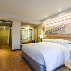 Отель Phuket Marriott Resort & Spa, Merlin Beach 5* Номер Делюкс с различными типами кроватей