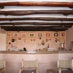 Отель Kasbah Mohayut Марокко, Мерзуга - отзывы, цены и фото номеров - забронировать отель Kasbah Mohayut онлайн гостиничный бар