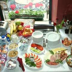 Отель Residence St. Andrew's Palace Польша, Варшава - отзывы, цены и фото номеров - забронировать отель Residence St. Andrew's Palace онлайн питание