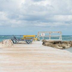 Отель Mangos Boutique Beach Resort фото 3