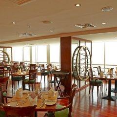 Отель Golden Tulip Sharjah ОАЭ, Шарджа - 1 отзыв об отеле, цены и фото номеров - забронировать отель Golden Tulip Sharjah онлайн питание