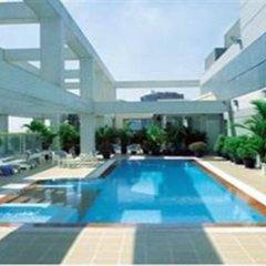 Отель The Landmark бассейн