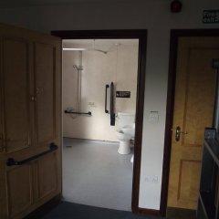 Отель YHA Helmsley - Hostel Великобритания, Йорк - отзывы, цены и фото номеров - забронировать отель YHA Helmsley - Hostel онлайн ванная фото 2
