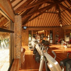 Отель Le Taha'a Island Resort & Spa гостиничный бар