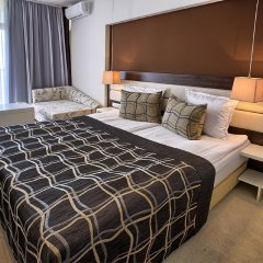 Luna Hotel комната для гостей