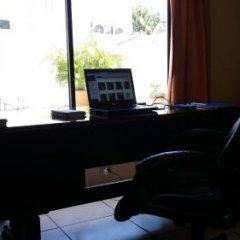 Отель Casa Bella Hotel Boutique Гондурас, Сан-Педро-Сула - отзывы, цены и фото номеров - забронировать отель Casa Bella Hotel Boutique онлайн удобства в номере