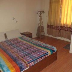 Отель Seven Steps Guest House Непал, Лумбини - отзывы, цены и фото номеров - забронировать отель Seven Steps Guest House онлайн комната для гостей