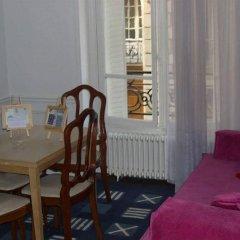 Отель Arlette La Fourche Франция, Париж - отзывы, цены и фото номеров - забронировать отель Arlette La Fourche онлайн комната для гостей фото 4