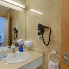 Отель Tryp Madrid Airport Suites ванная фото 2