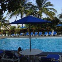 Отель Beach-side condos at Turtle Beach Towers бассейн фото 2