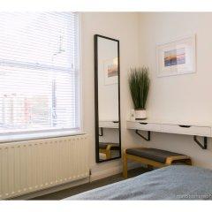 Отель Amazing One-bedroom Flat, Close to Brighton Beach удобства в номере