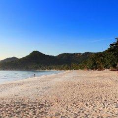 Отель First Bungalow Beach Resort пляж фото 4