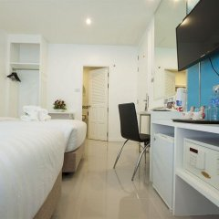 Отель Patong Holiday удобства в номере фото 2