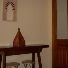 Отель Alhaja сейф в номере