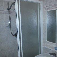 Отель Marylise Италия, Римини - 1 отзыв об отеле, цены и фото номеров - забронировать отель Marylise онлайн ванная фото 2