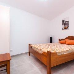 Отель Algés Village Casa 4 by Lisbon Coast комната для гостей
