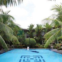 Отель Bentota Village Шри-Ланка, Бентота - отзывы, цены и фото номеров - забронировать отель Bentota Village онлайн бассейн фото 2