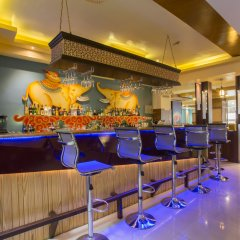 Отель Yatri Suites and Spa, Kathmandu Непал, Катманду - отзывы, цены и фото номеров - забронировать отель Yatri Suites and Spa, Kathmandu онлайн гостиничный бар