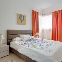Отель Seaview 3BR Apart inc Pool, Fort Cambridge Sliema Мальта, Слима - отзывы, цены и фото номеров - забронировать отель Seaview 3BR Apart inc Pool, Fort Cambridge Sliema онлайн комната для гостей фото 3