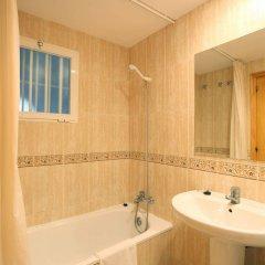Отель Apartamentos Benimar Испания, Бенидорм - отзывы, цены и фото номеров - забронировать отель Apartamentos Benimar онлайн ванная