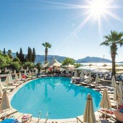 Sunrise Hotel бассейн