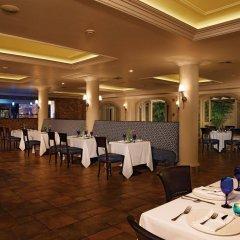 Отель The Oasis at Sunset питание