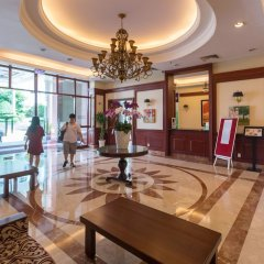 Апартаменты The Manor Luxury 1BR Apartment Center интерьер отеля