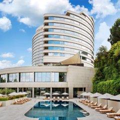 Conrad Istanbul Bosphorus Турция, Стамбул - 3 отзыва об отеле, цены и фото номеров - забронировать отель Conrad Istanbul Bosphorus онлайн бассейн
