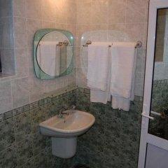 Отель Rai Болгария, Трявна - отзывы, цены и фото номеров - забронировать отель Rai онлайн ванная фото 2