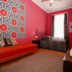 Апартаменты Chic Tarragon Apartments комната для гостей фото 3