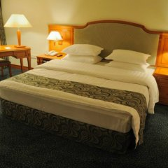 Отель Рамада Ташкент Узбекистан, Ташкент - отзывы, цены и фото номеров - забронировать отель Рамада Ташкент онлайн комната для гостей фото 3