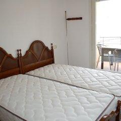 Отель Apartamento 2165 - Mar I Neu 2-6 Испания, Курорт Росес - отзывы, цены и фото номеров - забронировать отель Apartamento 2165 - Mar I Neu 2-6 онлайн комната для гостей фото 2