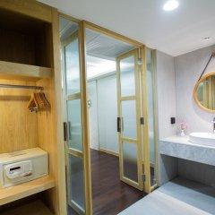 Отель Andaman Cannacia Resort & Spa Таиланд, пляж Ката - 1 отзыв об отеле, цены и фото номеров - забронировать отель Andaman Cannacia Resort & Spa онлайн сейф в номере