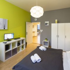Отель New Town - Apple Apartments Чехия, Прага - 1 отзыв об отеле, цены и фото номеров - забронировать отель New Town - Apple Apartments онлайн комната для гостей фото 3