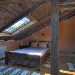 Отель Gozbarov's Guest House Болгария, Копривштица - отзывы, цены и фото номеров - забронировать отель Gozbarov's Guest House онлайн балкон