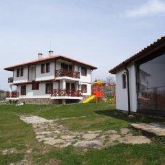 Отель Guest House Ivanini Houses Болгария, Боженци - отзывы, цены и фото номеров - забронировать отель Guest House Ivanini Houses онлайн вид на фасад