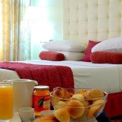 Отель Golden Tulip Port Harcourt в номере фото 2