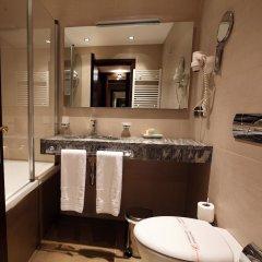 Отель Tirana International Hotel & Conference Centre Албания, Тирана - отзывы, цены и фото номеров - забронировать отель Tirana International Hotel & Conference Centre онлайн ванная фото 2