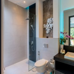 Отель 5-Bedroom Villa Omari with Private Pool пляж Ката ванная