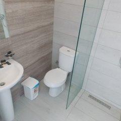 Отель Itaka Hotel Албания, Химара - отзывы, цены и фото номеров - забронировать отель Itaka Hotel онлайн ванная