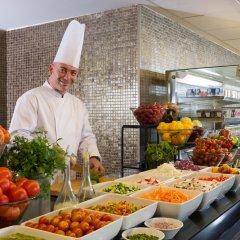 Leonardo Plaza Hotel Jerusalem Израиль, Иерусалим - 9 отзывов об отеле, цены и фото номеров - забронировать отель Leonardo Plaza Hotel Jerusalem онлайн питание фото 2