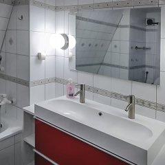 Отель Incredible 2Br Loft in Heart of Prague ванная
