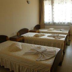 Отель Guest House Raffe Банско комната для гостей фото 2