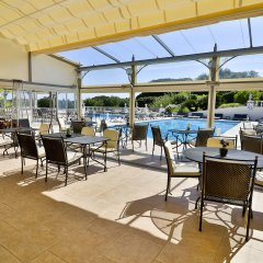 Отель Le Mas Bellevue гостиничный бар