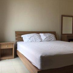 Отель Surasak Center Sri Racha комната для гостей фото 3