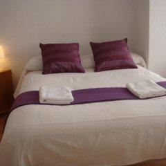Отель Hostal Turis Alba Барселона комната для гостей фото 3